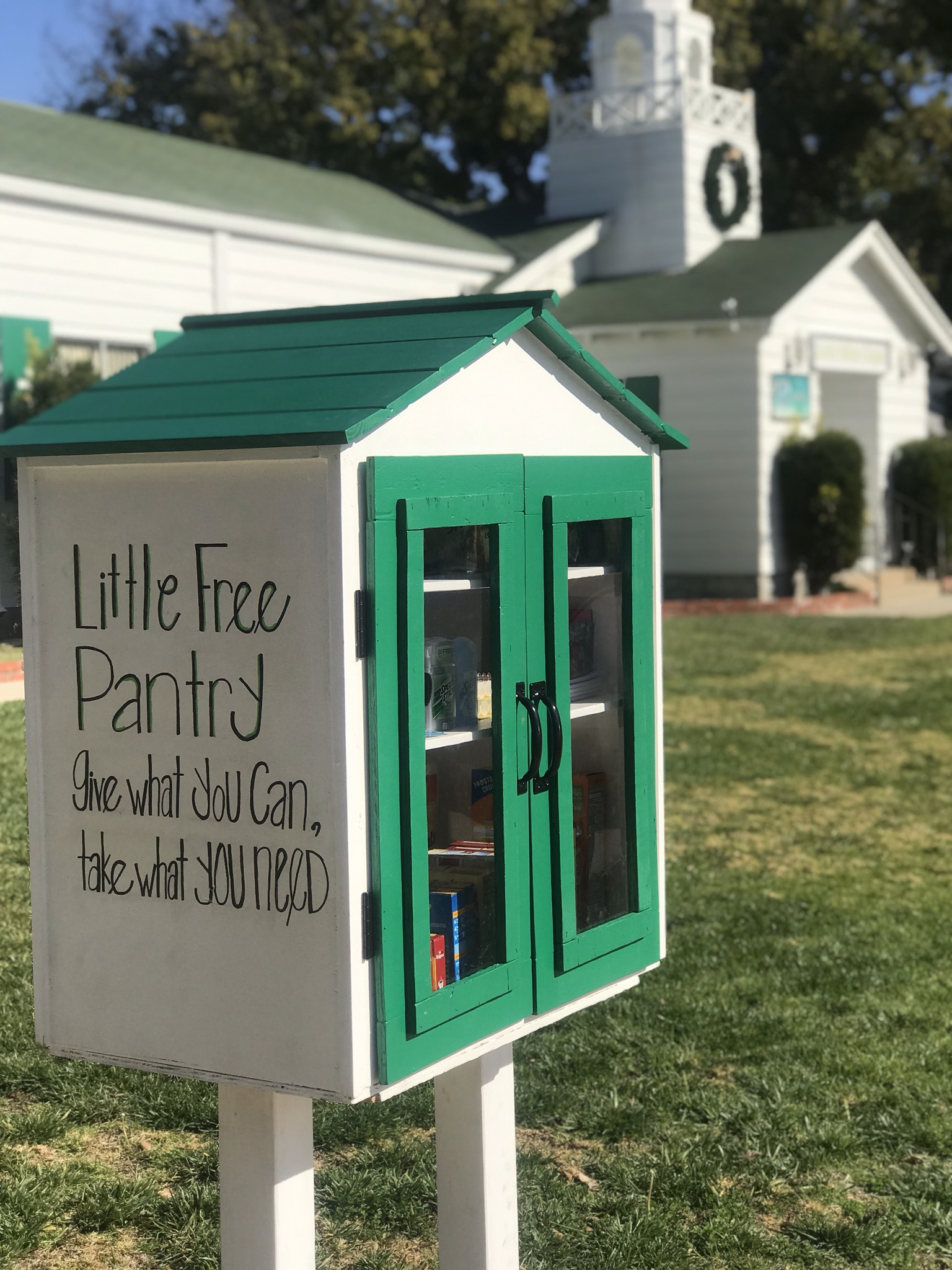 Monica's Little Free Pantry - Burbank, CA Photo 1